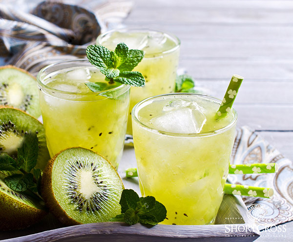 Kiwi & Elderflower Spritz